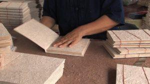papel-elaborado-con-heces-de-elefante-2